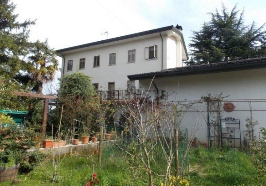 Rustico casale, Praturlone, Fiume Veneto, ristrutturato