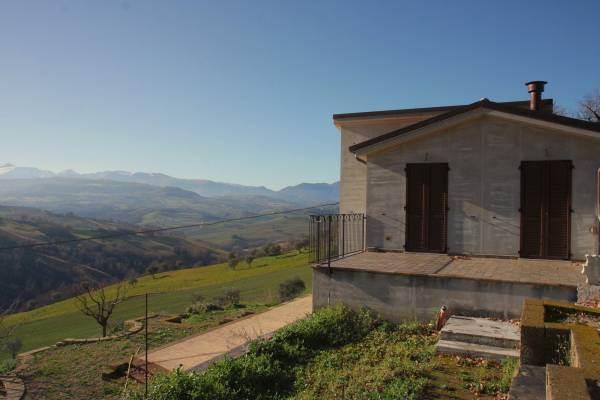 Casa singola, Colmurano, in nuova costruzione