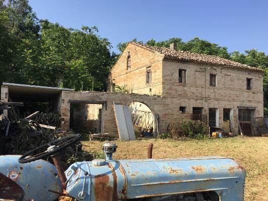 Rustico casale, Corridonia, da ristrutturare