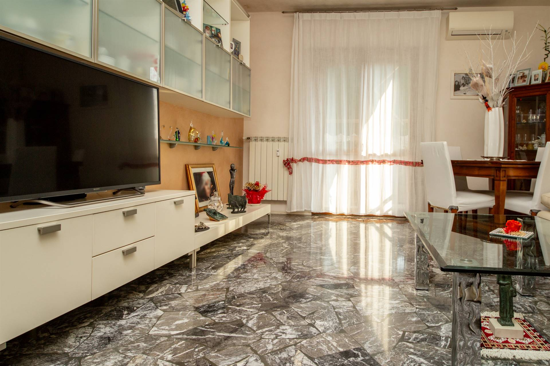 MESTRE, VENEZIA, Apartment for sale of 103 Sq. mt., Good condition, Heating Centralized, Energetic class: D, placed at 4° on 4, composed by: 5 Rooms,