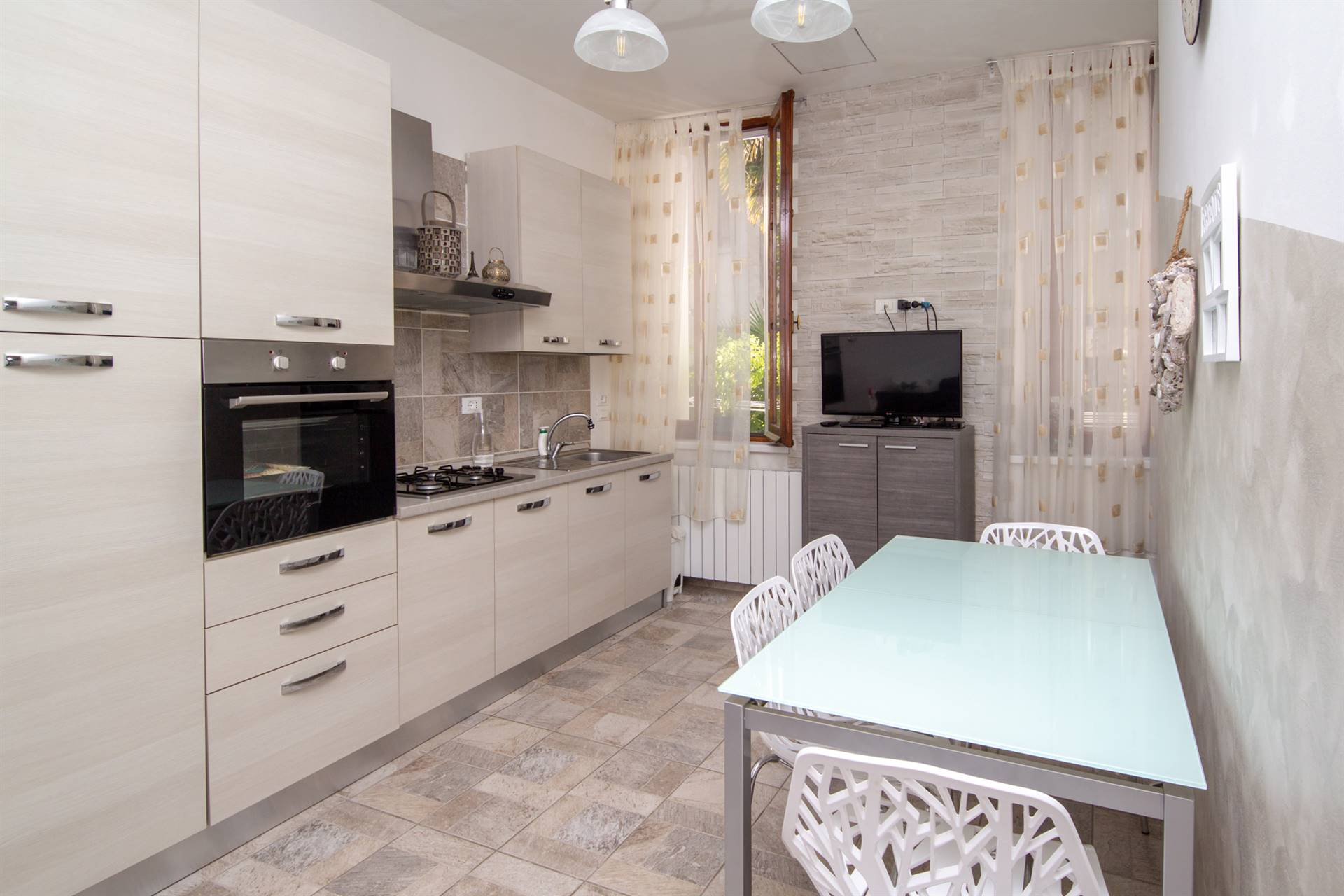 MESTRE, VENEZIA, Apartment for sale of 80 Sq. mt., Restored, Heating Individual heating system, Energetic class: G, placed at Raised on 2, composed