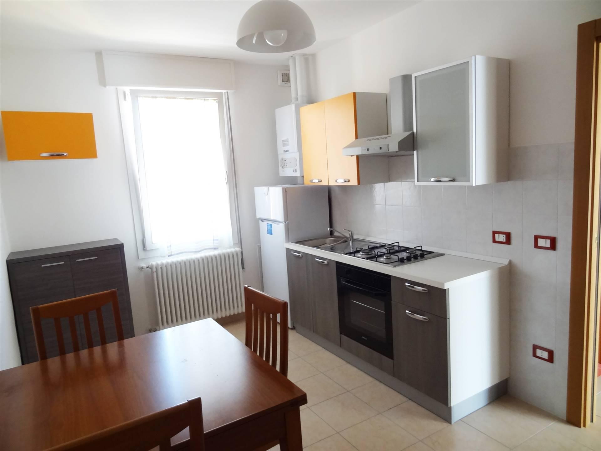 Viale San Marco, proponiamo un mini appartamento al terzo e ultimo piano composto da ingresso, soggiorno angolo cottura, camera matrimoniale e bagno.