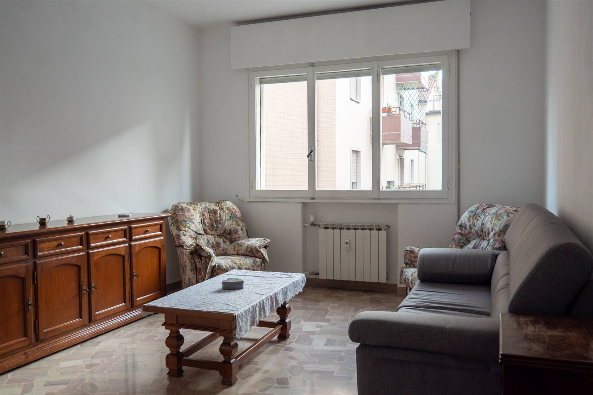 MESTRE CENTRO, VENEZIA, Apartment for rent of 80 Sq. mt., Habitable, Heating Centralized, Energetic class: G, placed at 2° on 4, composed by: 4 Rooms,