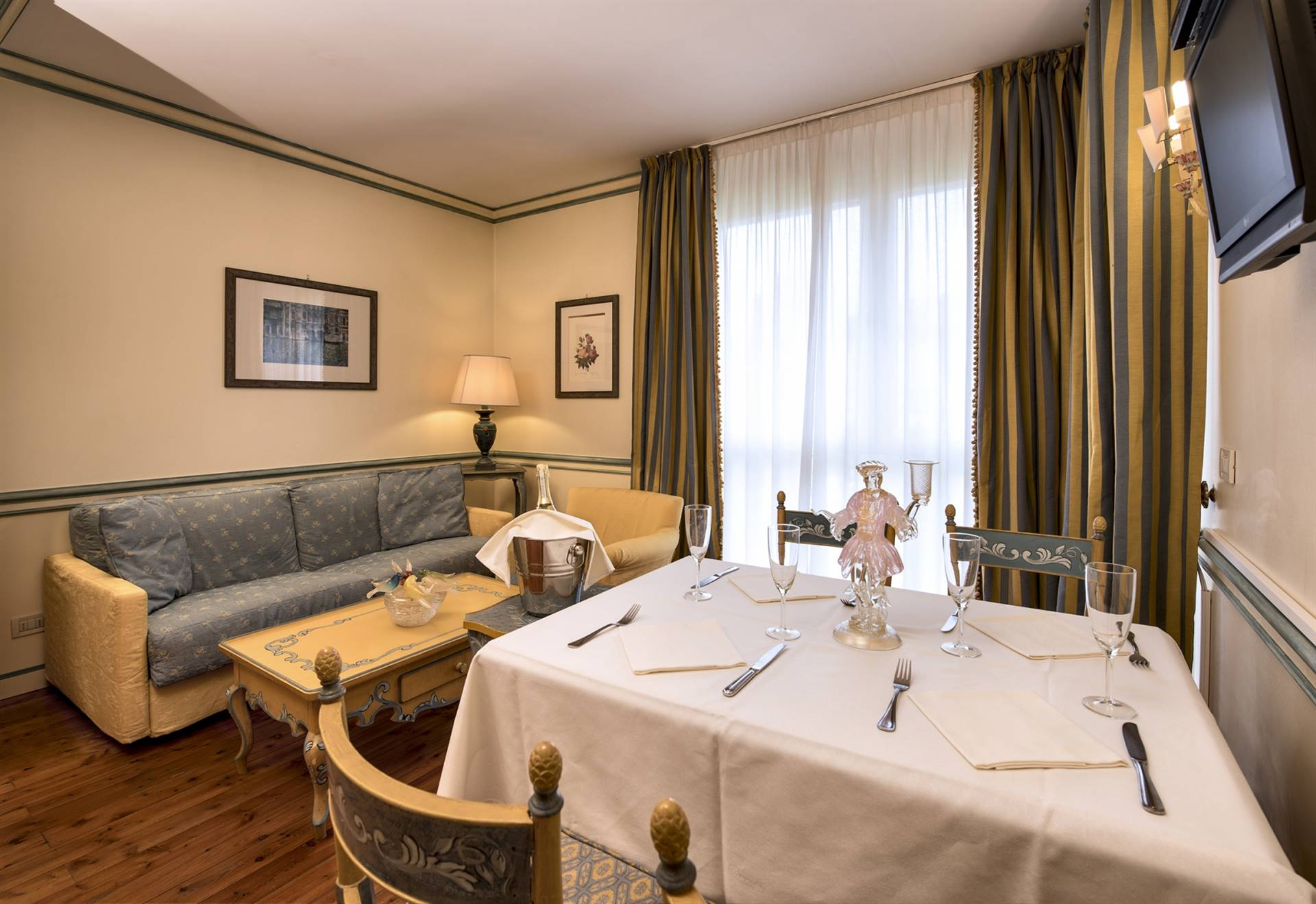 LIDO DI VENEZIA, VENEZIA, Timeshares for sale of 66 Sq. mt., Excellent Condition, Energetic class: G, placed at 1° on 2, composed by: 5 Rooms,