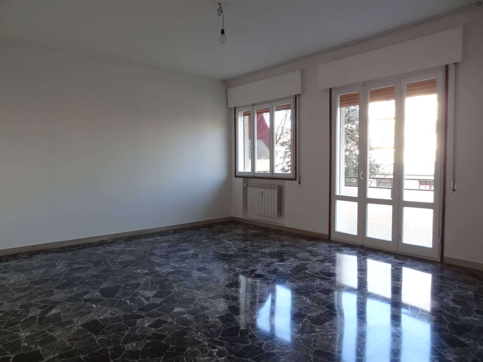 MARGHERA, VENEZIA, Apartment for rent of 98 Sq. mt., Excellent Condition, Heating Centralized, Energetic class: F, placed at 1° on 4, composed by: 4