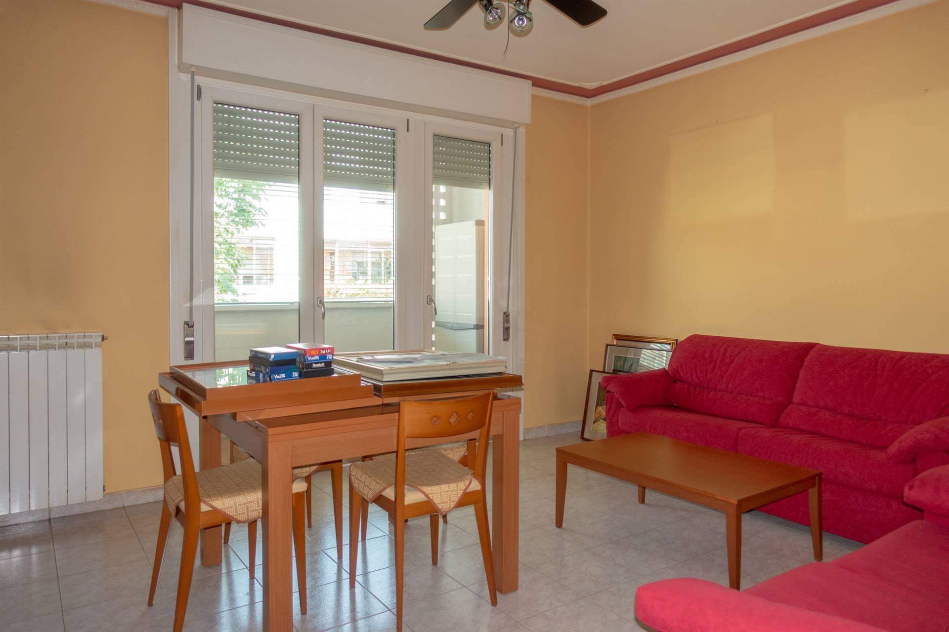 Venezia-Campalto in zona comoda a servizi e mezzi per Venezia, vendiamo appartamento di ampie dimensioni in ottime condizioni interne. L'immobile è