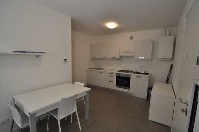 TRIESTE APPARTAMENTI IN SCALA SANTA N. 40 Si tratta di piccola palazzina ristrutturata, gli appartamenti sono praticamente nuovi, sia nella struttura
