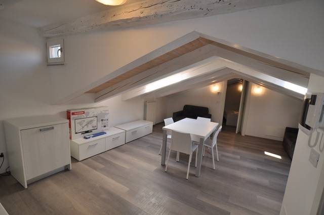 PERIFERIA, TRIESTE, Apartment for sale of 78 Sq. mt., Excellent Condition, Heating Individual heating system, Energetic class: F, Epi: 128,72 kwh/m2