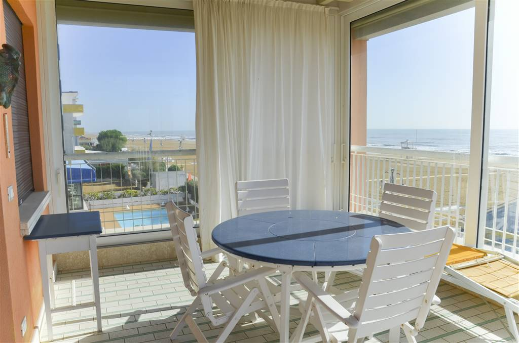 LIDO DI JESOLO, JESOLO, Penthouse for sale of 85 Sq. mt., Excellent Condition, Heating Individual heating system, Energetic class: G, placed at 2° on