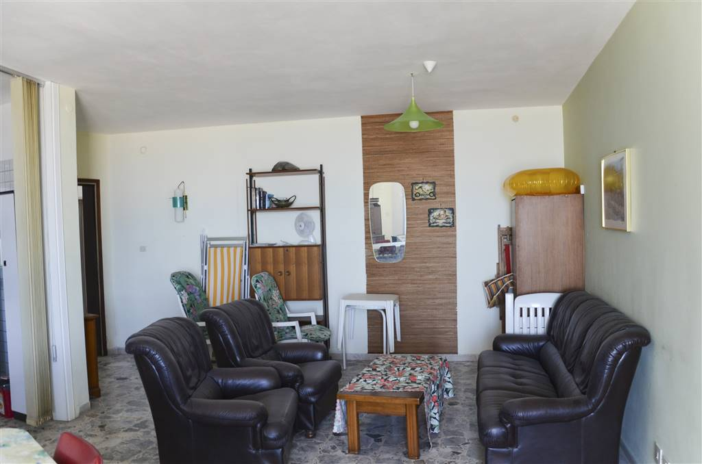 LIDO DI JESOLO, JESOLO, Penthouse for sale of 90 Sq. mt., Habitable, Heating Non-existent, Energetic class: G, placed at 6° on 6, composed by: 3