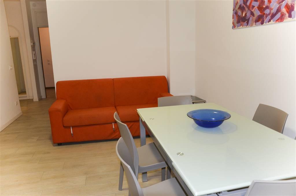 Appartamento sito al 1° piano di un condominio fronte mare, con terrazza vista piscina e fronte mare. L'unità immobiliare è composta da una luminosa