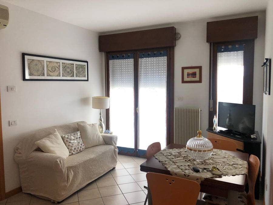 LIDO DI JESOLO, JESOLO, Apartment for sale of 60 Sq. mt., Excellent Condition, Heating Individual heating system, Energetic class: D, placed at 3° on