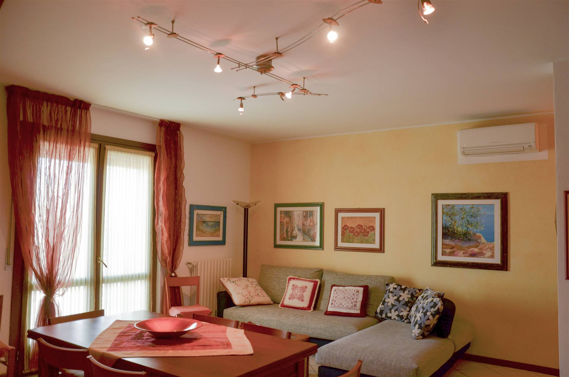 LIDO DI JESOLO, JESOLO, Apartment for sale of 80 Sq. mt., Excellent Condition, Heating Individual heating system, Energetic class: D, placed at 5° on