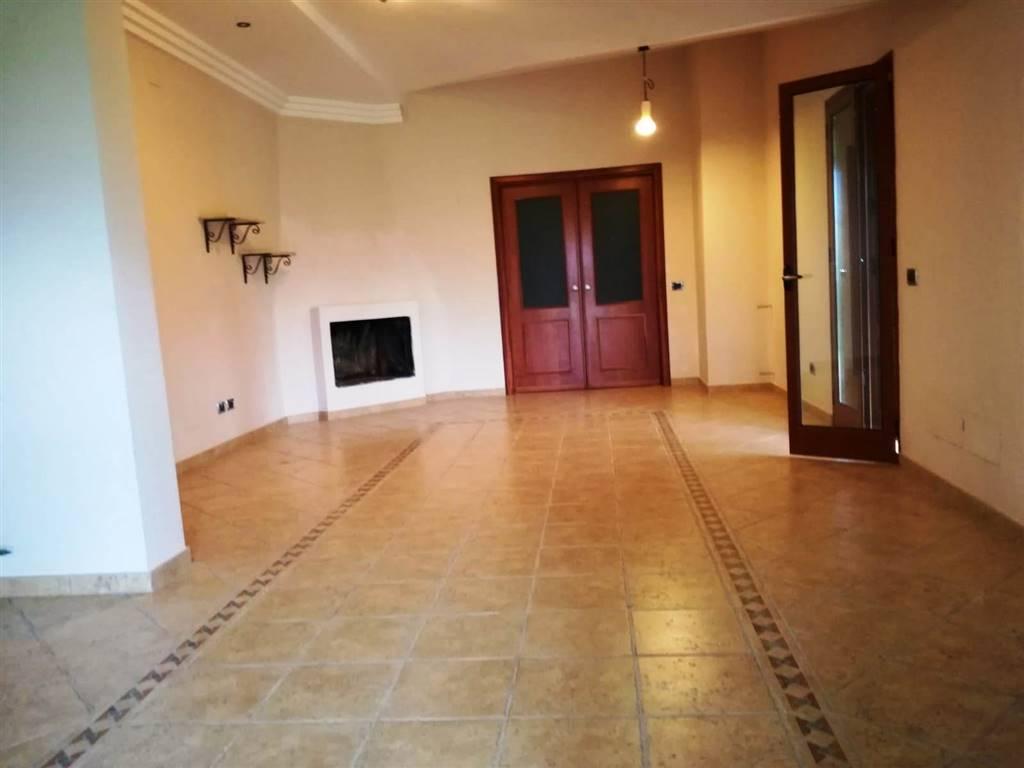 Appartamento in affitto a Partinico, 5 locali, prezzo € 500 | CambioCasa.it