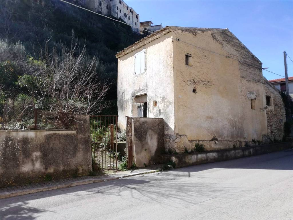 Quadrilocale, Borgetto