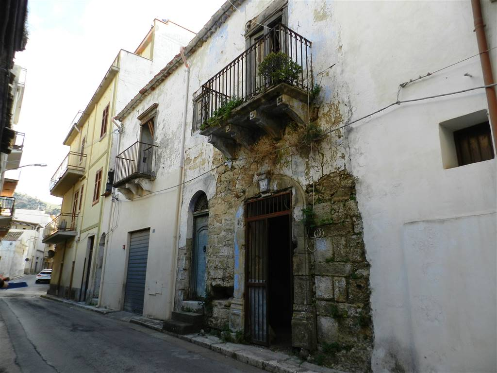 PARTINICO, Detached house for sale of 120 Sq. mt., Energetic class: G, Epi: 175 kwh/m2 year, composed by: 5 Rooms, Price: € 29,000