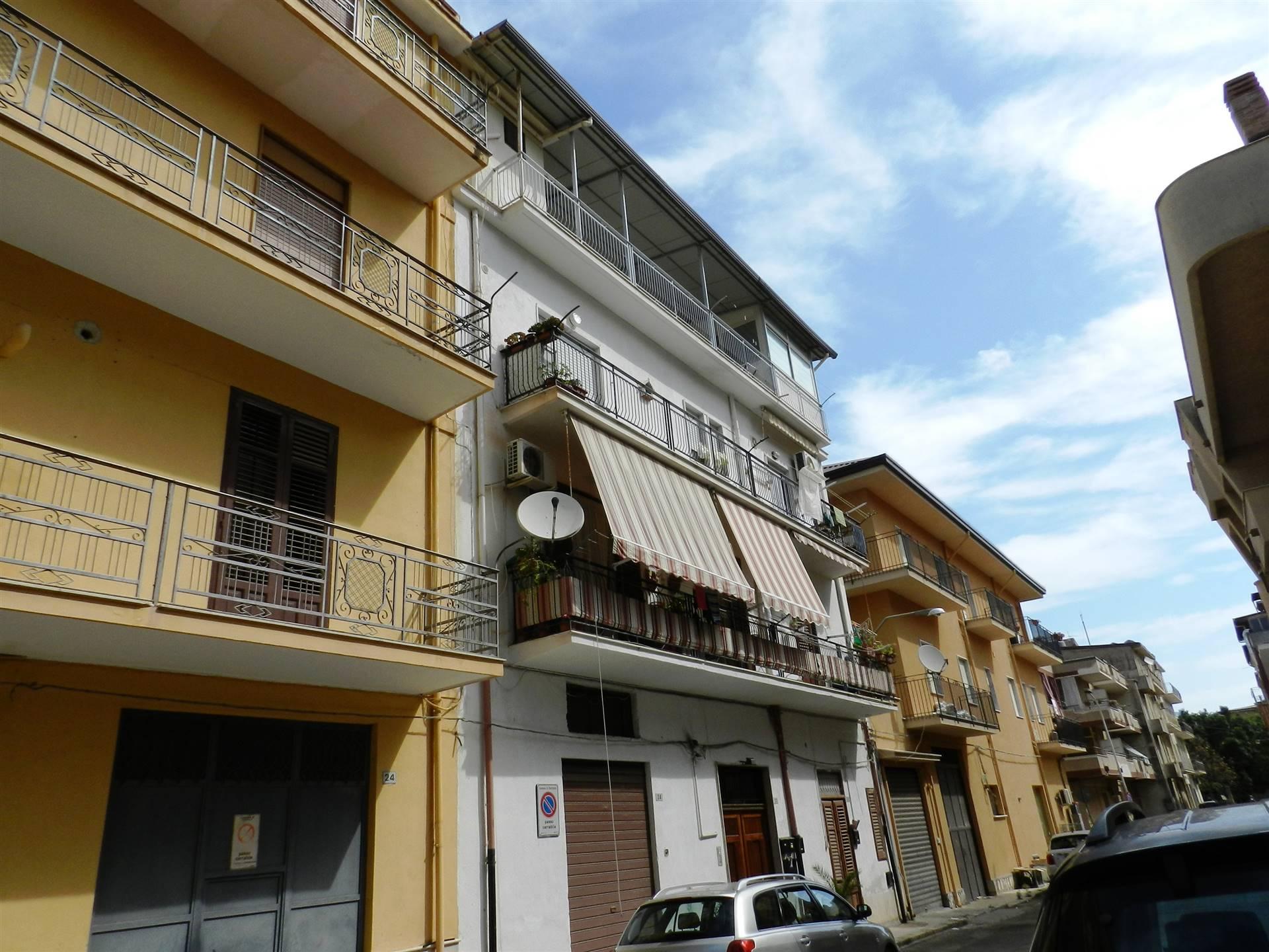 Appartamento in vendita a Partinico, 5 locali, prezzo € 51.000 | CambioCasa.it