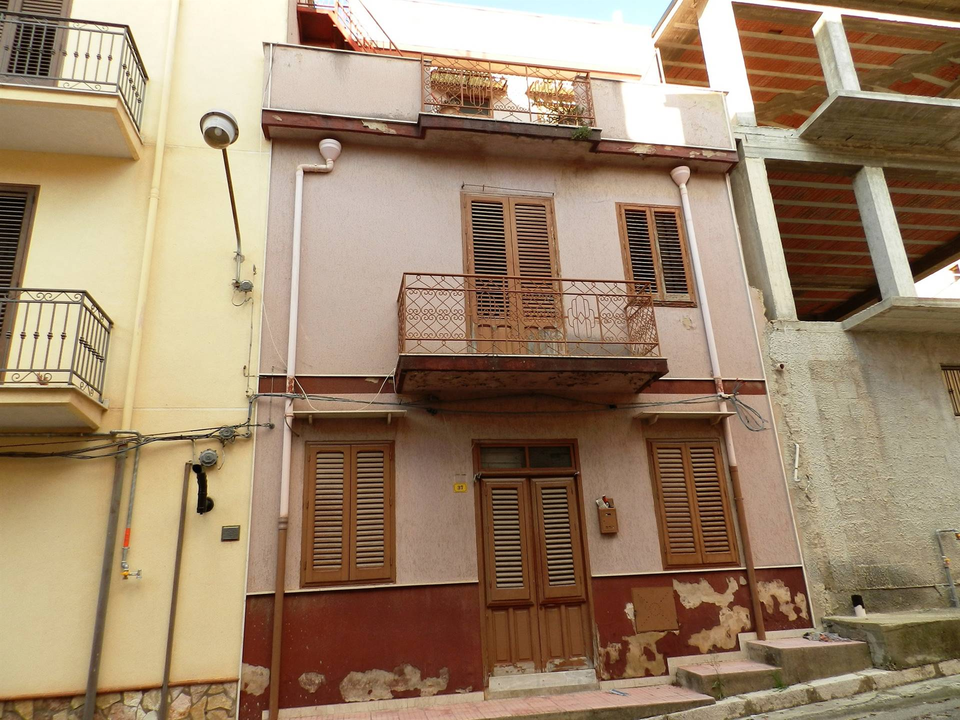 BORGETTO, Detached house for sale of 120 Sq. mt., Habitable, Energetic class: G, Epi: 175 kwh/m2 year, composed by: 4 Rooms, Kitchenette, , 2