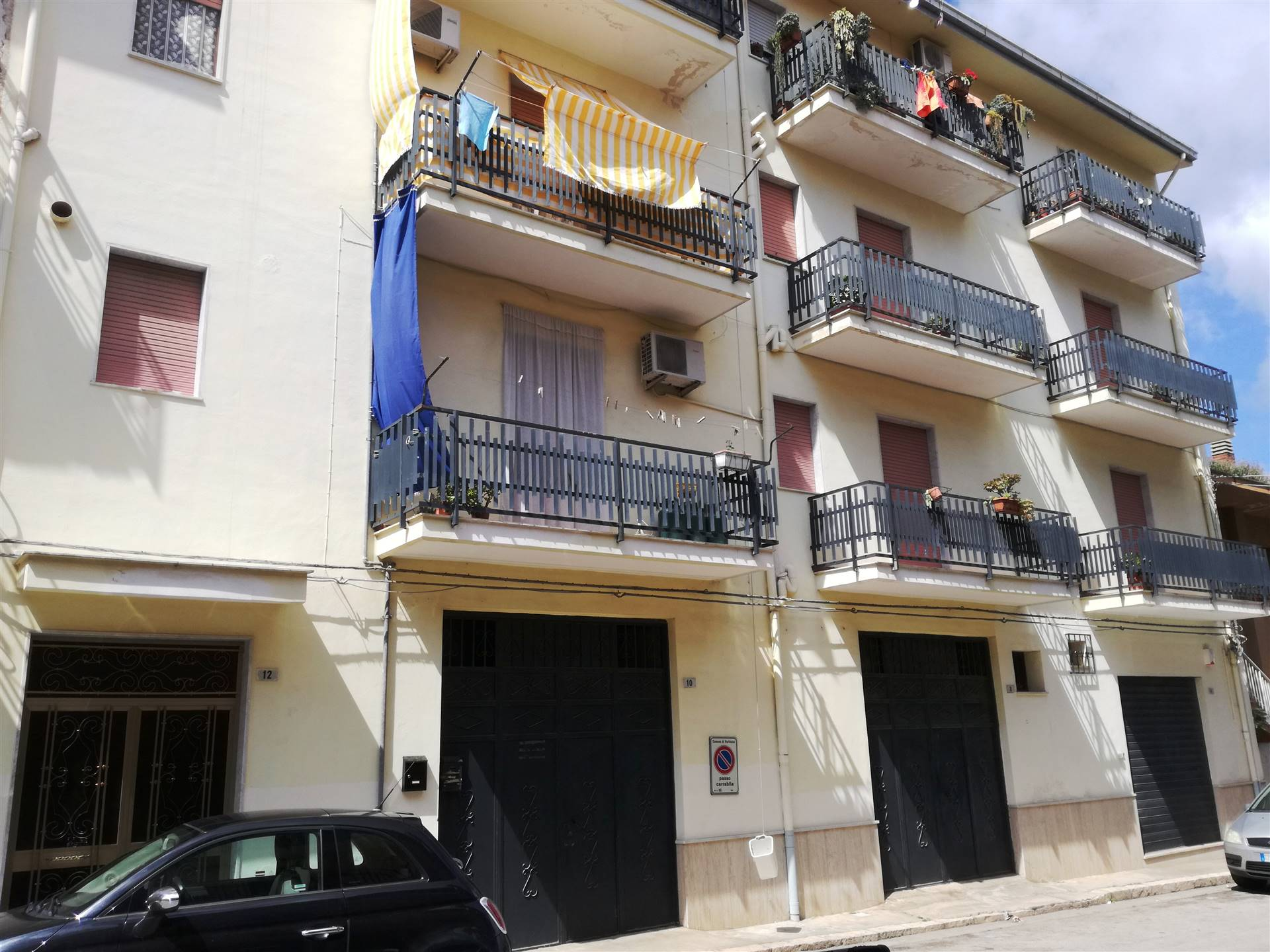 PARTINICO, Apartment for rent, Good condition, Energetic class: G, Epi: 175 kwh/m2 year, placed at 2° on 3, composed by: 7 Rooms, Separate kitchen, ,