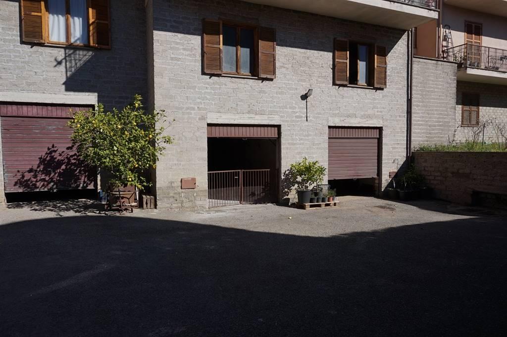 Esterno garage
