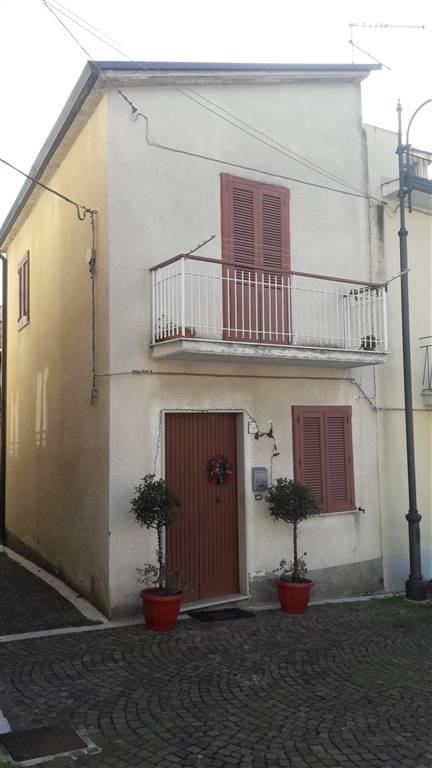 Casa singola in Via San Bernardino, Mirabella Eclano