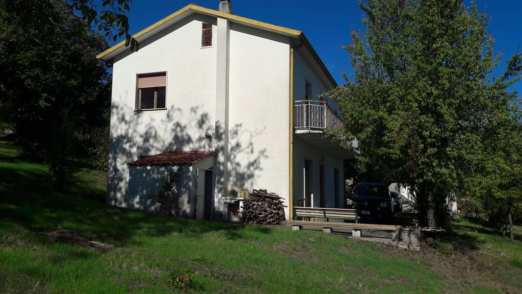 Casa singola in Via Petrara, Poppano, San Mango Sul Calore