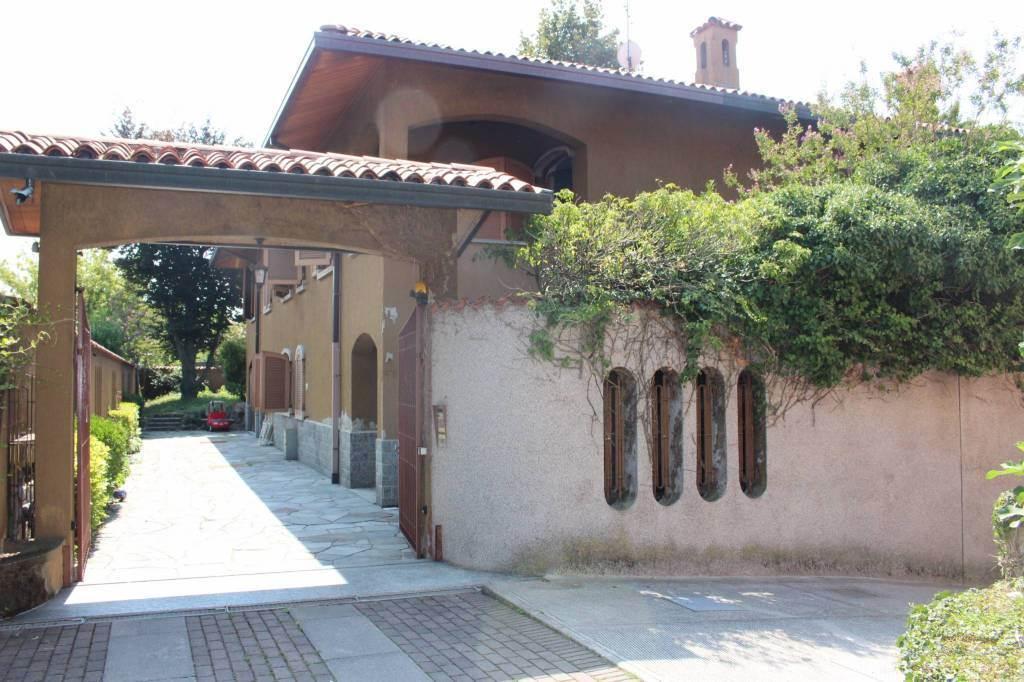 Villa, Biassono, da ristrutturare