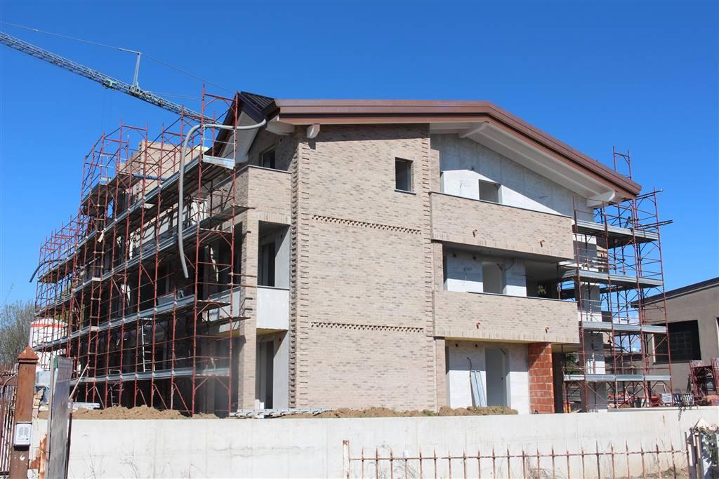 Trilocale in Via Montenero 14, Albiate