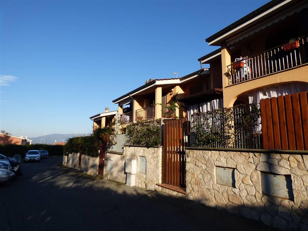 Villa a Schiera in vendita a San Cesareo, 7 locali, prezzo € 160.000 | CambioCasa.it