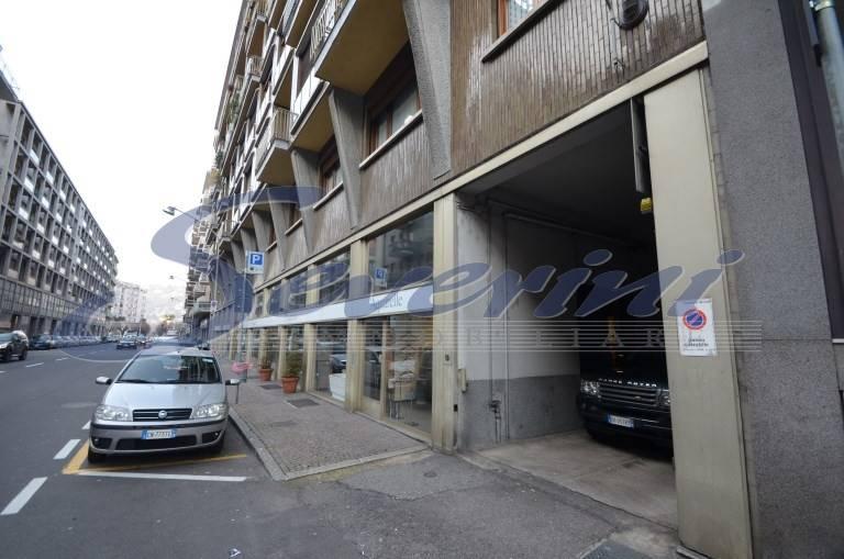 Locale commerciale in Viale Masia, Como