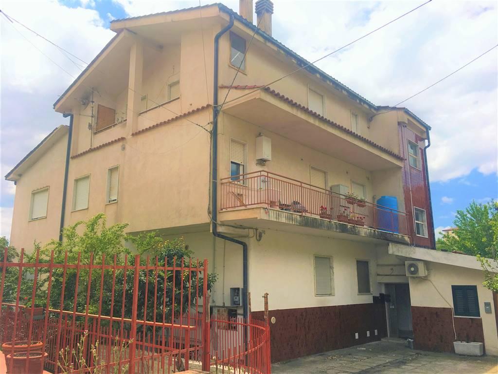 ARCAVACATA, RENDE, Appartamento in vendita di 80 Mq, Abitabile, Riscaldamento Autonomo, Classe energetica: F, Epi: 0 kwh/m2 anno, posto al piano