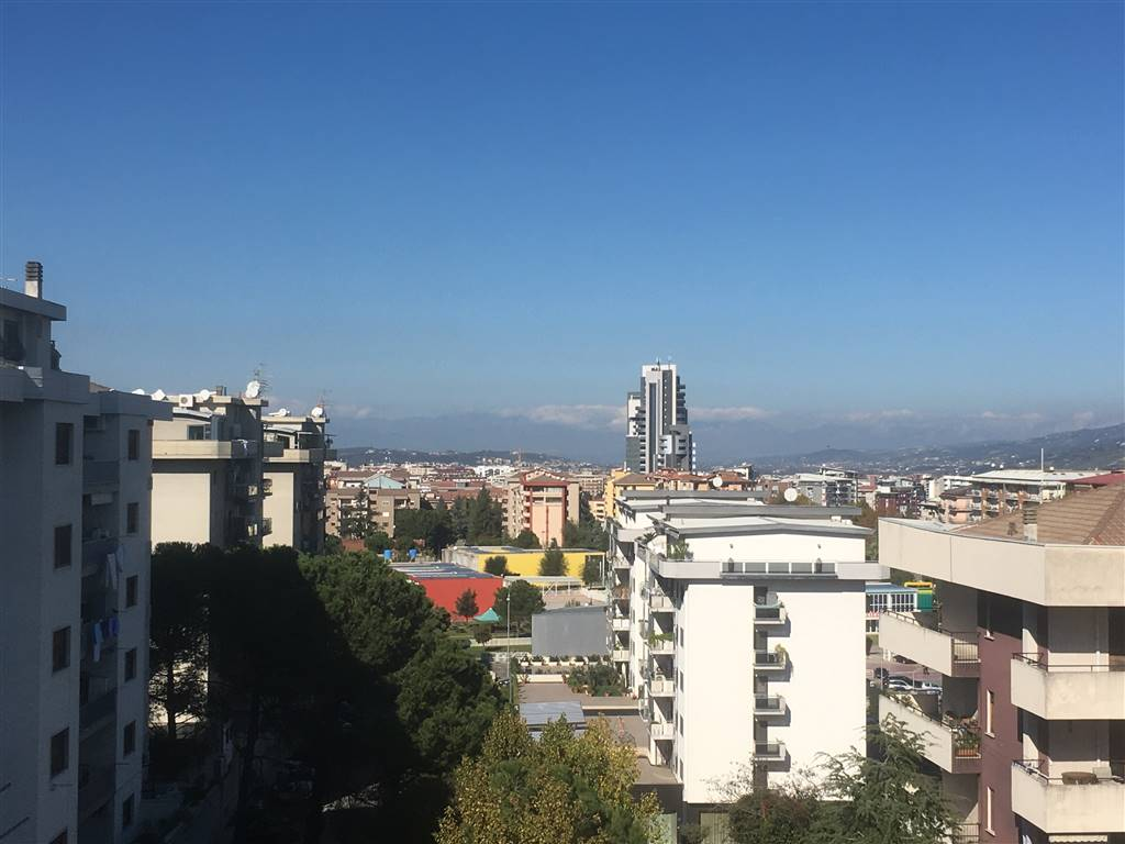 CITTÀ 2000, COSENZA, Apartment for sale of 145 Sq. mt., Good condition, Heating Individual heating system, Energetic class: A, Epi: 0 kwh/m2 year,
