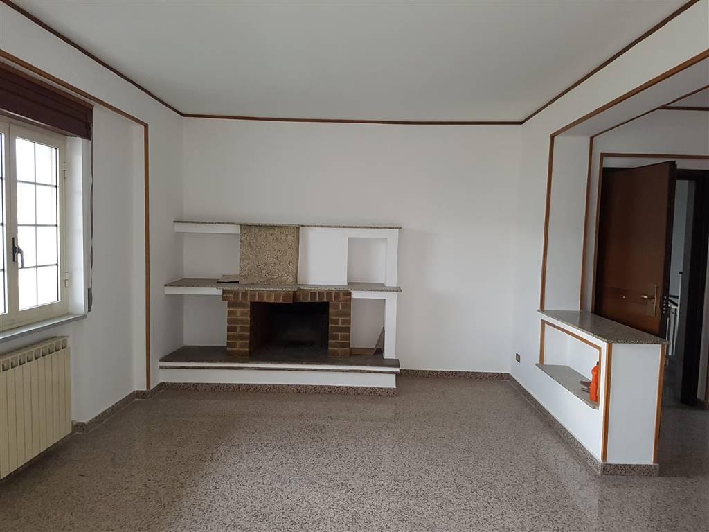 Appartamento in vendita a Montalto Uffugo, 5 locali, zona Località: TAVERNA, prezzo € 77.000 | CambioCasa.it