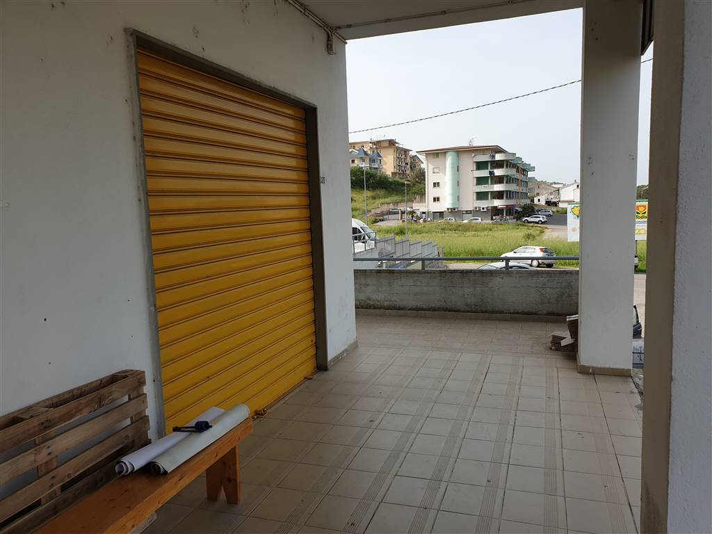 STAZIONE DI MONTALTO, MONTALTO UFFUGO, Commercialproperty for sale of 34 Sq. mt., Habitable, Heating Non-existent, Energetic class: G, Epi: 0 kwh/m3
