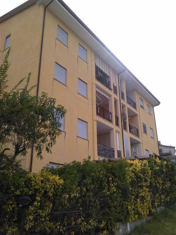 TAVERNA, MONTALTO UFFUGO, Appartamento in affitto di 100 Mq, Buone condizioni, Riscaldamento Autonomo, Classe energetica: F, Epi: 0 kwh/m2 anno,