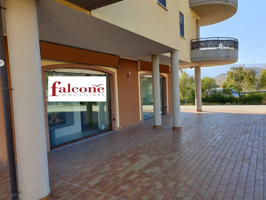 STAZIONE DI MONTALTO, MONTALTO UFFUGO, Shop for rent of 85 Sq. mt., Almost new, Heating Non-existent, Energetic class: F, Epi: 0 kwh/m3 year, placed