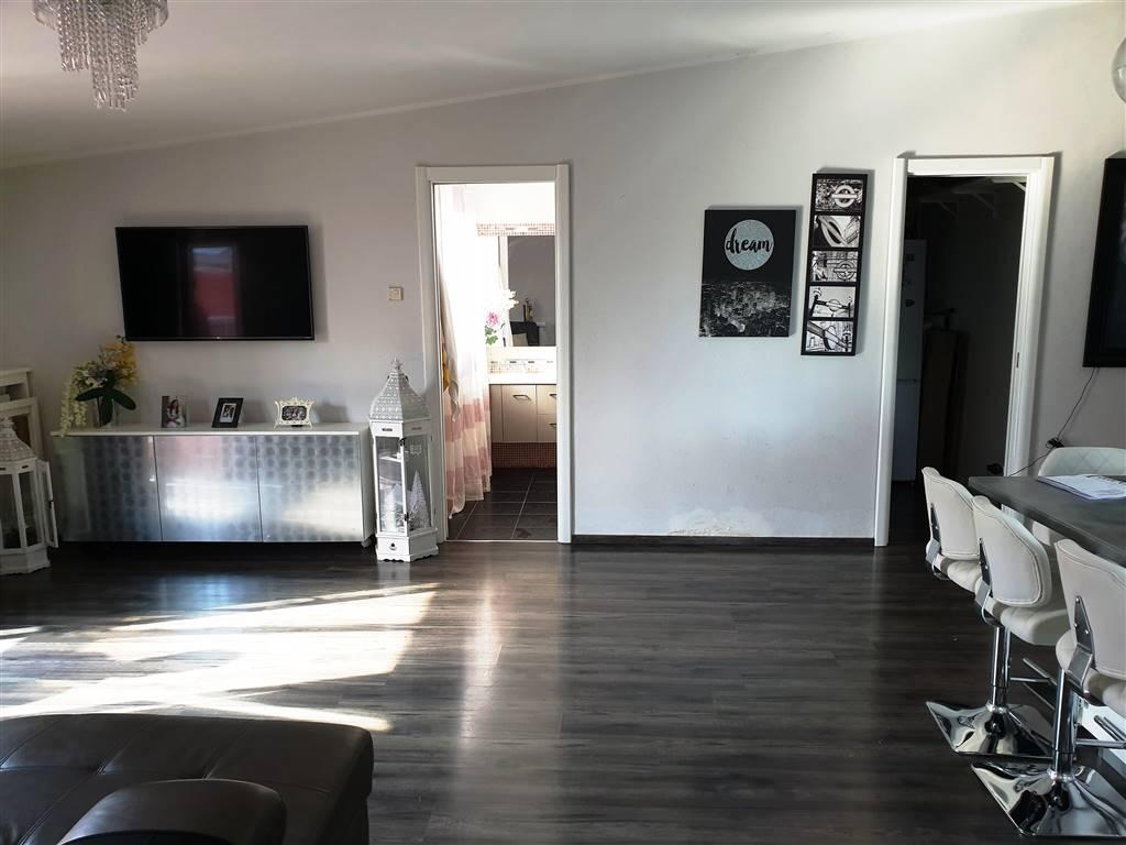 SETTIMO, MONTALTO UFFUGO, Wohnung zu verkaufen von 85 Qm, Gutem, Heizung Unabhaengig, Energie-klasse: F, Epi: 83,952 kwh/m2 jahr, am boden 3° auf 3,