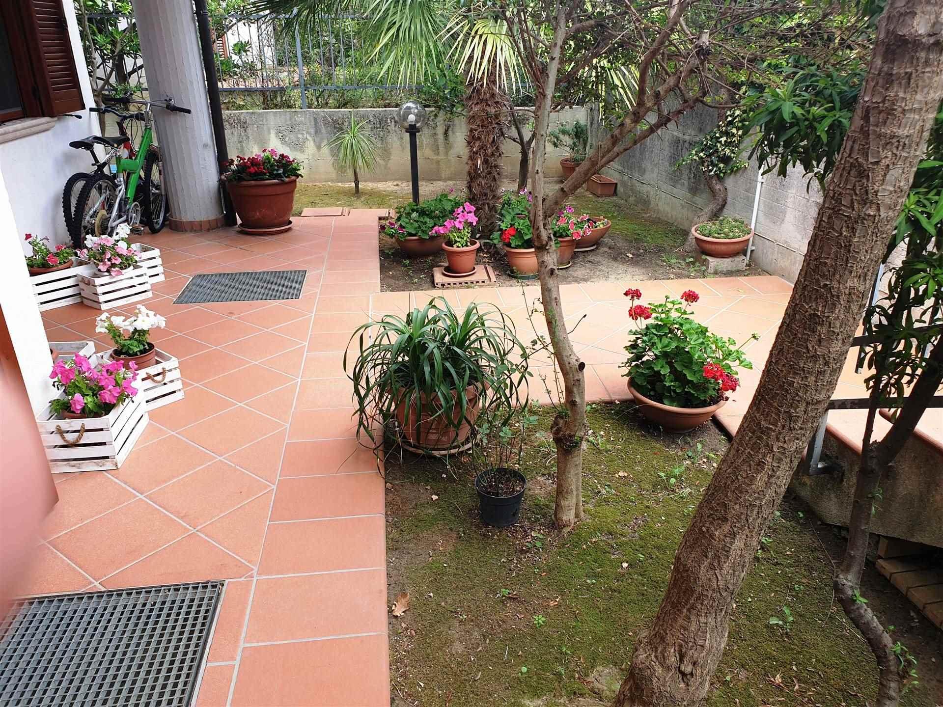 Villa Bifamiliare in vendita a Montalto Uffugo, 6 locali, prezzo € 165.000 | CambioCasa.it