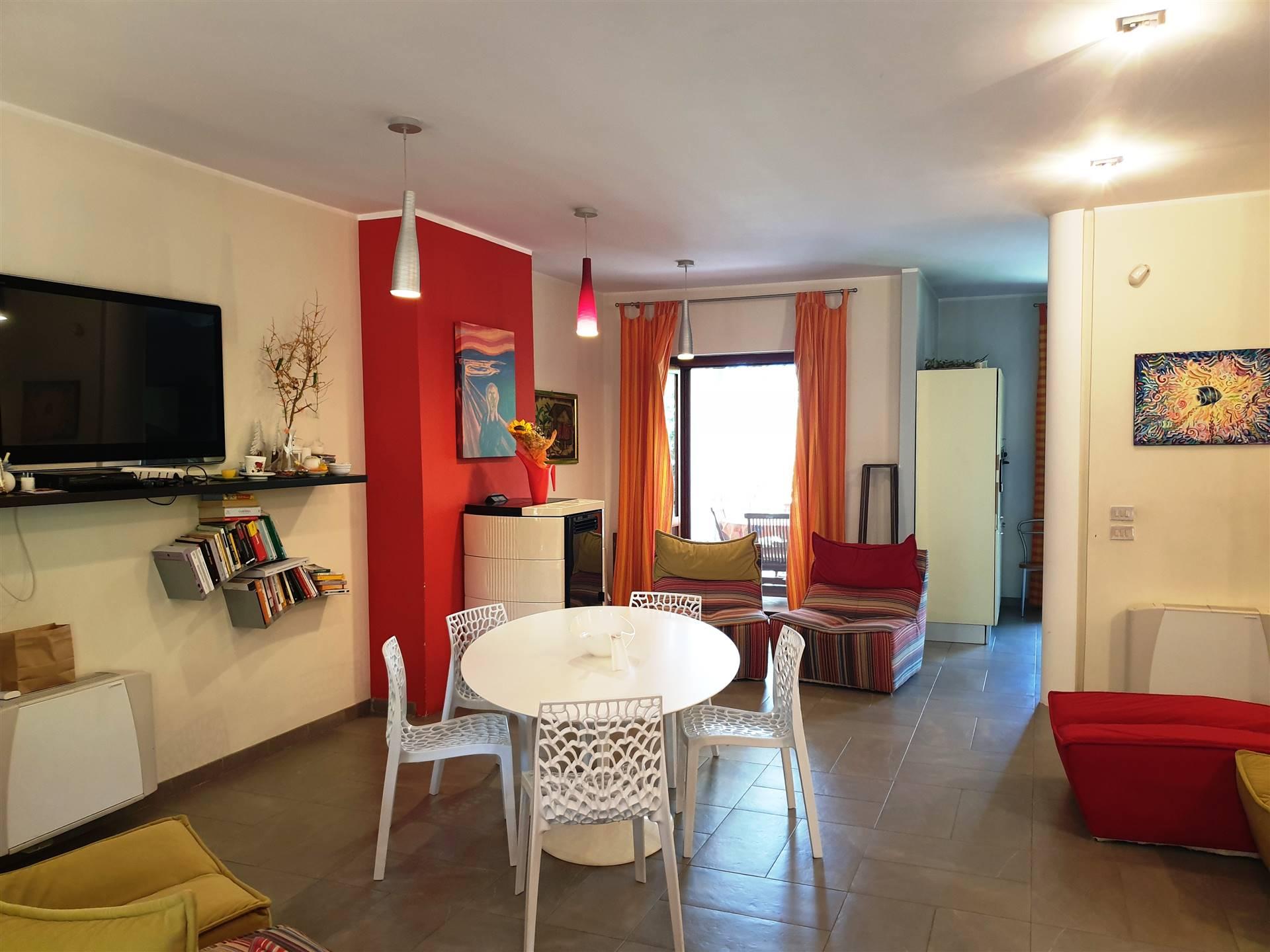 Villa Bifamiliare in vendita a Montalto Uffugo, 6 locali, prezzo € 165.000   CambioCasa.it