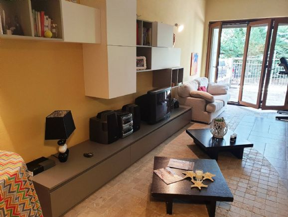 MONTALTO UFFUGO, Duplex villa for sale of 240 Sq. mt., Excellent Condition, Heating Individual heating system, Energetic class: F, Epi: 0 kwh/m2 year,