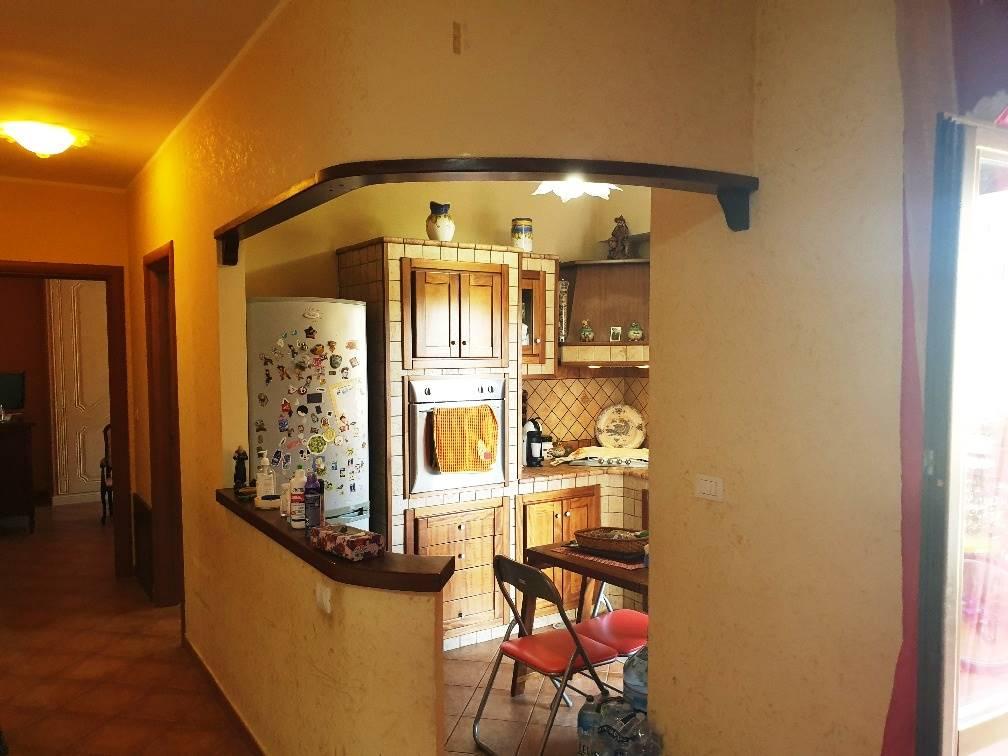 TAVERNA, MONTALTO UFFUGO, Wohnung zu verkaufen von 85 Qm, Gutem, Heizung Unabhaengig, Energie-klasse: F, Epi: 0 kwh/m2 jahr, am boden 2° auf 4,