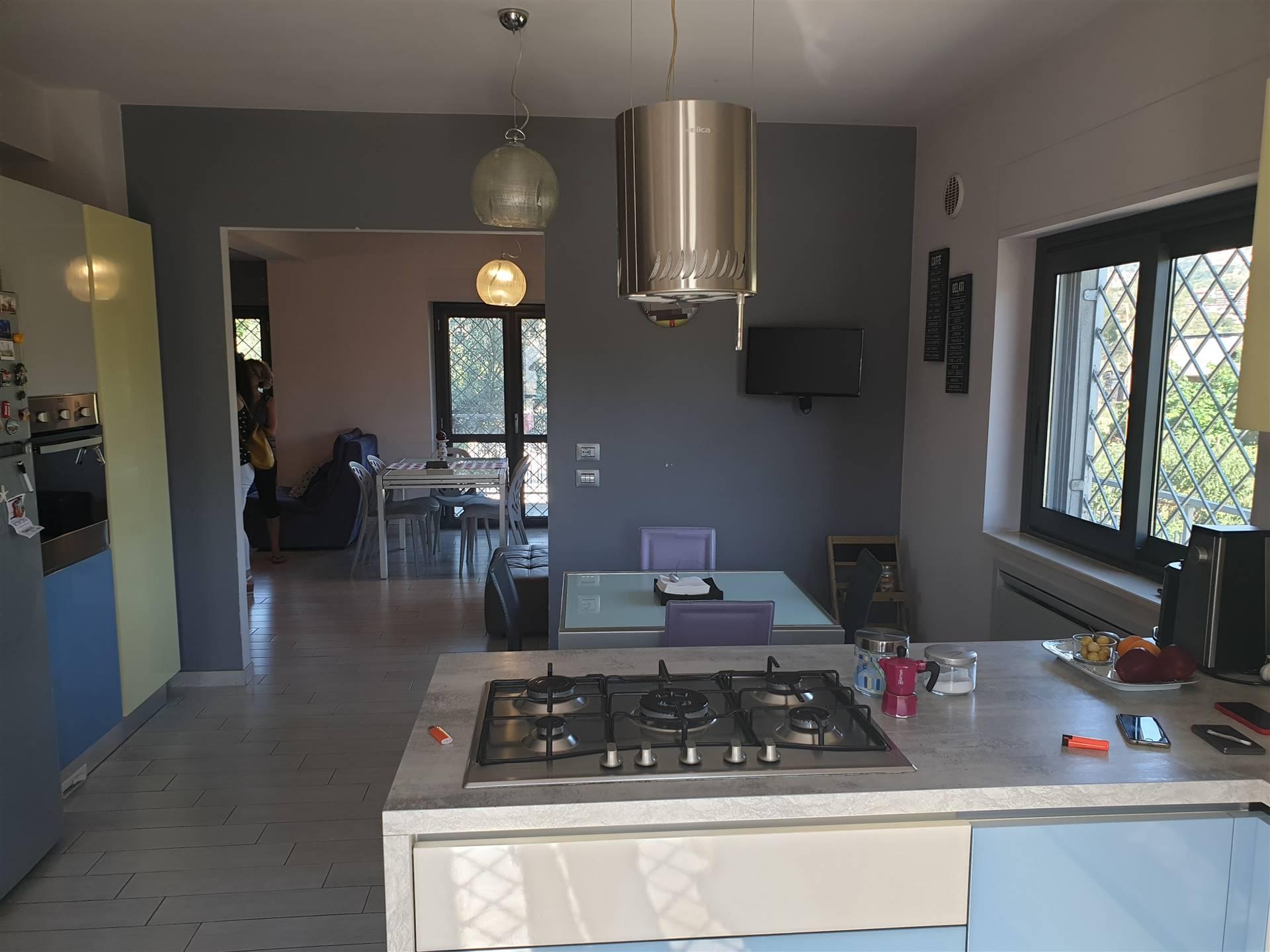 Villa in vendita a Montalto Uffugo, 8 locali, zona Località: STAZIONE DI MONTALTO, prezzo € 310.000   CambioCasa.it