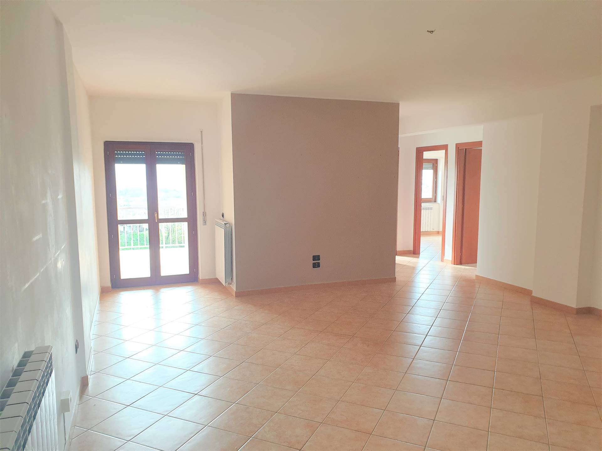PETRARO, ROSE, Apartment for rent of 135 Sq. mt., Excellent Condition, Heating Individual heating system, Energetic class: C, Epi: 0 kwh/m2 year,