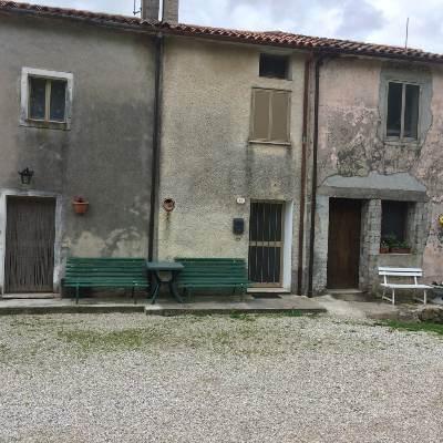Rustico / Casale in vendita a Marostica, 10 locali, prezzo € 280.000 | CambioCasa.it
