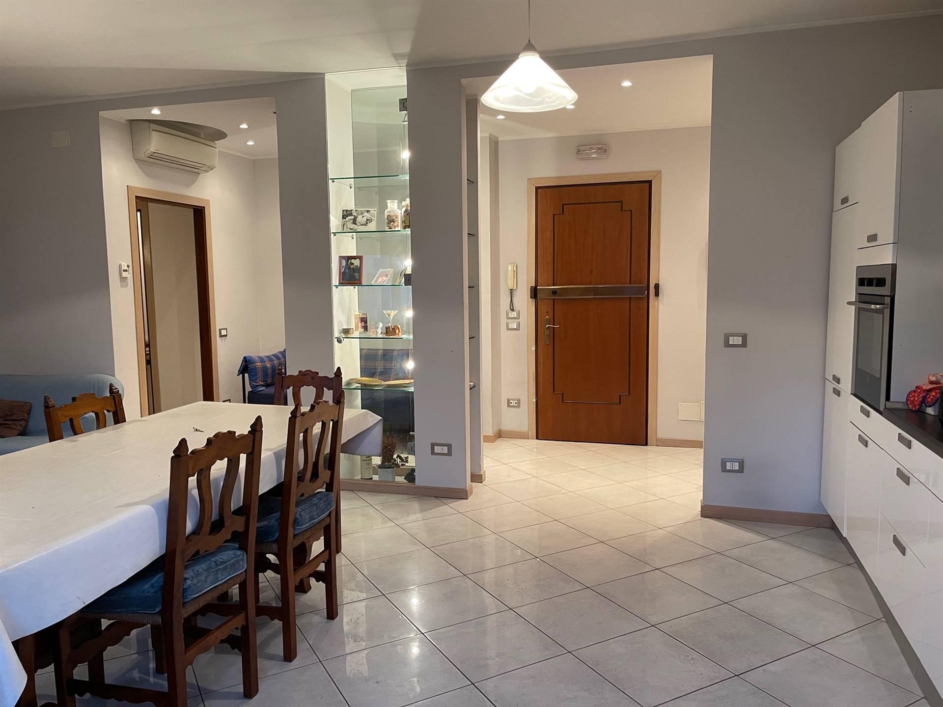 ingresso ampio appartamento Mestre euro 225.000