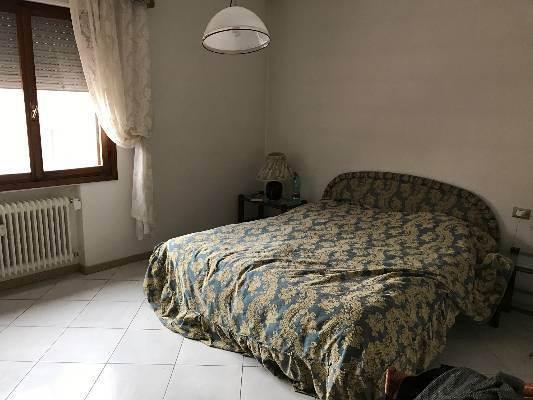 camera da letto Mestre viale Garibaldi primo piano