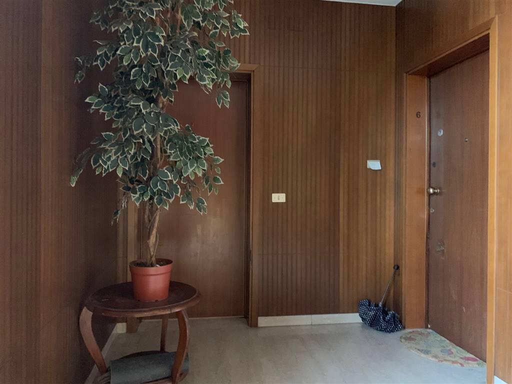 vano scale appartamento Mestre via Torre Belfredo