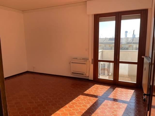 soggiorno appartamento affitto Mestre centro