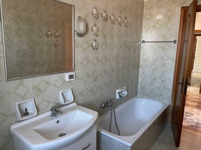 bagno finestrato Mestre centro affittasi