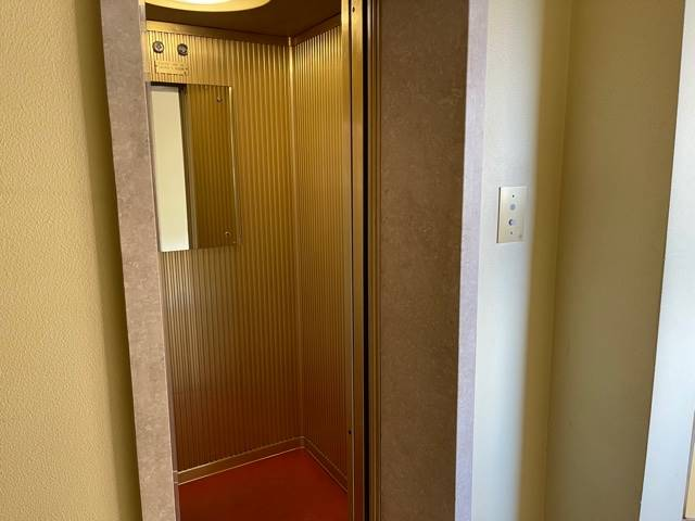 ascensore appartamento Mestre euro 650